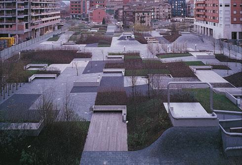 כיכר המדבר בעיר ברקאלדו, בתכנון ארויו. לאפשר לציבור את ההזדמנות איך להשתמש במרחב (צילום: R. Albe, G. Bruneel)