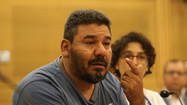 חאלד אלג'אער בוועדה (צילום: גיל יוחנן)