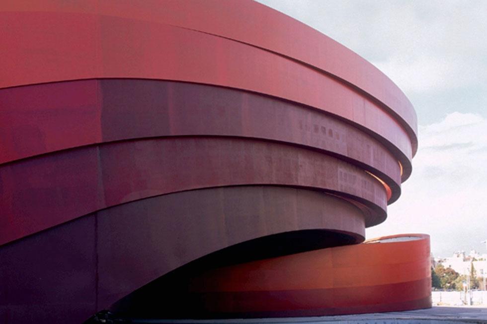 מוזיאון העיצוב חולון, שנקלע לקשיים וחוסר ודאות דווקא לאחר שביסס את מעמדו כאחד המוזיאונים הצעירים והמבטיחים בעולם. האם זוהי תחילתה של דרך חדשה? (צילום: יעל פינקוס )