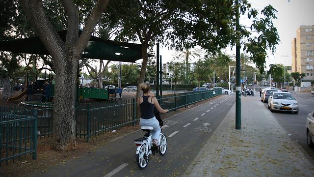 תוואי הקו הסגול בשכונת התקווה (צילום: אבי מועלם) (צילום: אבי מועלם)