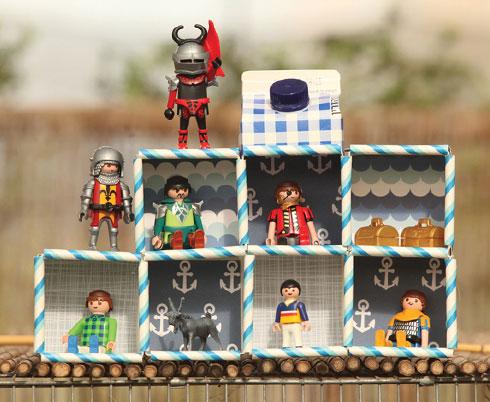 בית בובות מקופסאות קרטון (צילום: אמיר פרג', הסטודיו של אמיר)