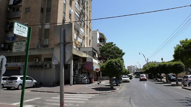 """רחוב הרצל בלוד. המחיר למ""""ר הנמוך ביותר (צילום: אבי מועלם) (צילום: אבי מועלם)"""