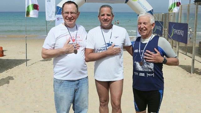 מימין: גינזבורג, כהן וביאר בסיום המשחה (צילום: פיוטר פליטר) (צילום: פיוטר פליטר) (צילום: פיוטר פליטר)