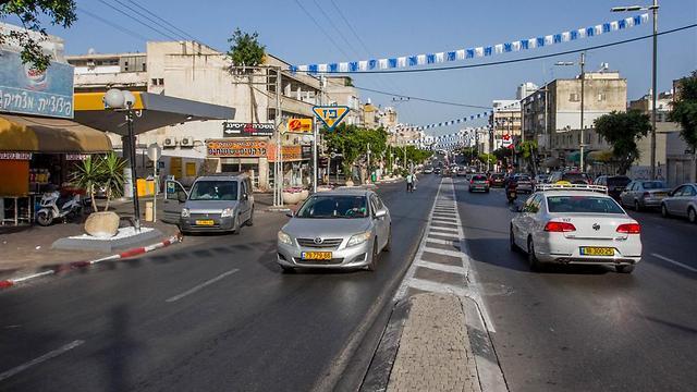 """רחוב הרצל בנתניה. 8 עסקאות נדל""""ן (צילום: עידו ארז) (צילום: עידו ארז)"""