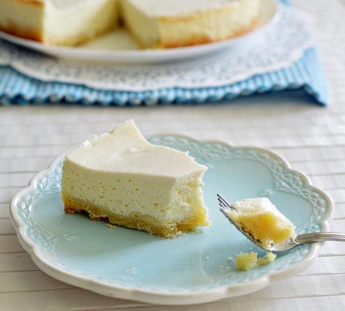 עוגת גבינה אפויה קלה (צילום: אפרת סיאצ'י)