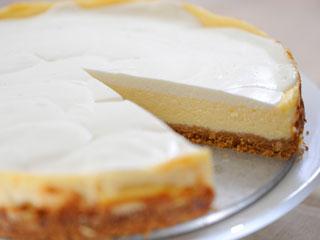 עוגת גבינה אחרת. נעמי טוענת שהעוגה שלה יותר טובה. הקליקו על התמונה (צילום: דודו אזולאי)