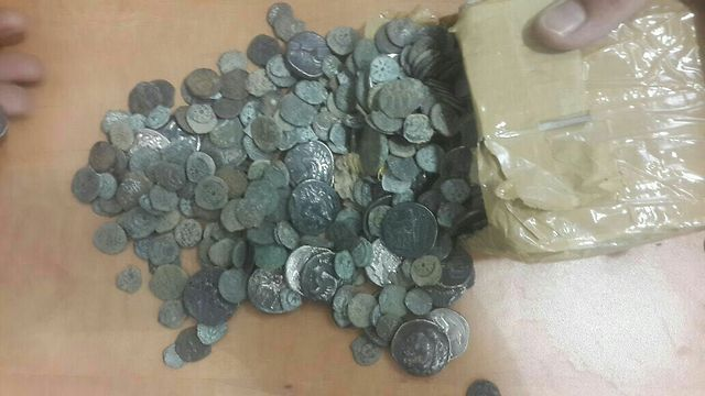 Coins from the Second Temple period being smuggled into Jordan (Photo: Israel Tax Authority)