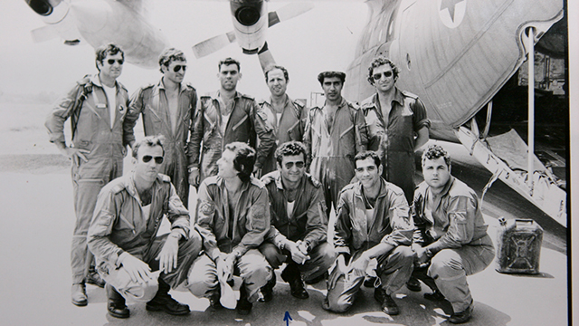 The Sayeret Matkal rescue team after returning from Entebbe