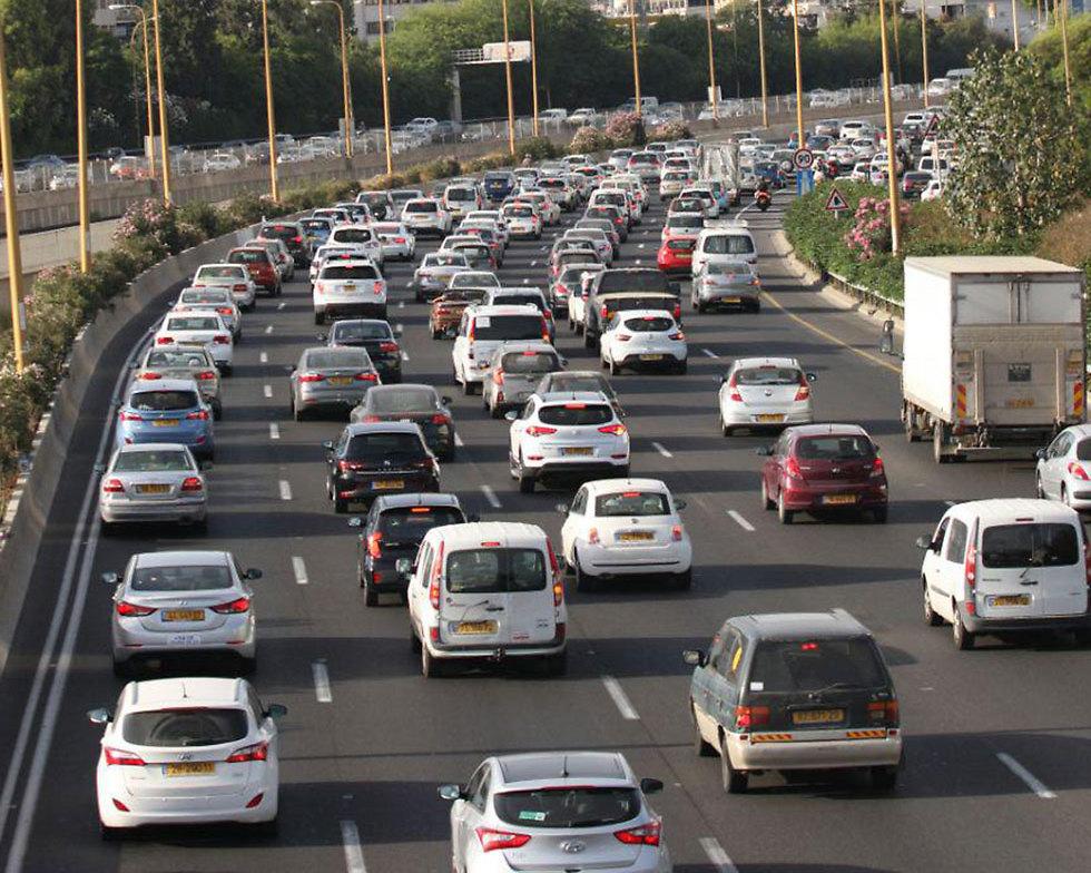מכוניות מכוניות ועוד מכוניות (צילום: אבי מועלם) (צילום: אבי מועלם)