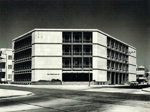 בניין מהודר שזוכה לחשיפה מחודשת (צילום: שולמית נדלר)