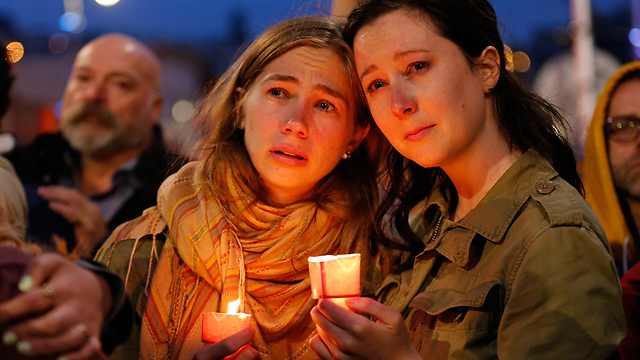 Mourners in San Francisco following Orlando shooting (Photo: AFP)  (Photo: AFP)