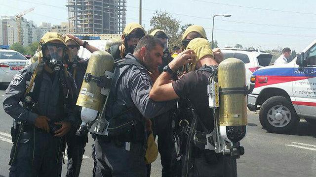 צוותי ההצלה בשטח (צילום: דוברות המשטרה) (צילום: דוברות המשטרה)
