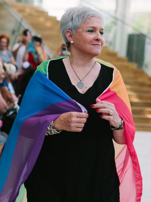 אורחת בתיאטרון הבימה. אשת ראש עיריית תל אביב, יעל חולדאי (צילום: רונה בר)