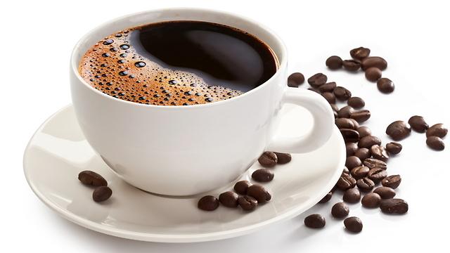 ההבדלים התרבותיים בשתיית קפה. מפחית תמותה (צילום: shutterstock)