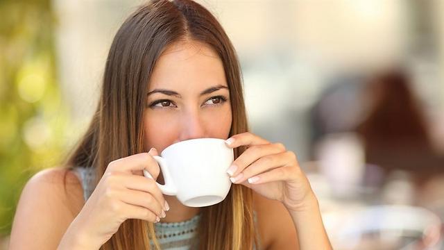 כוס אחת ביום ודי. שתיית קפה (צילום: שאטרסטוק) (צילום: שאטרסטוק)
