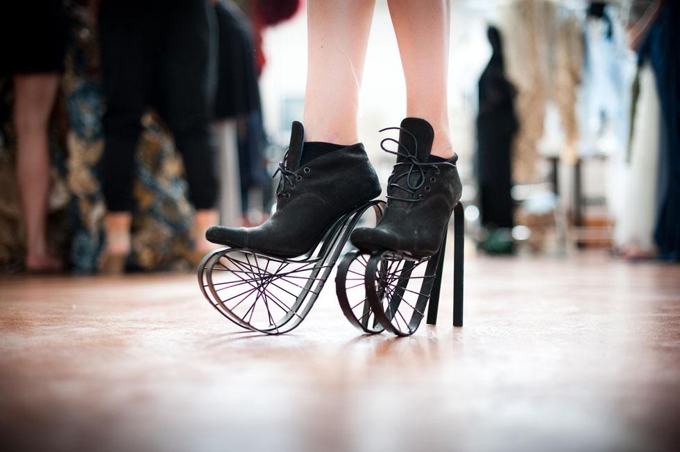 נעלי לוליין בגובה 40 סנטימטרים. מארק גולדנברג (צילום: מארק גולדנברג)