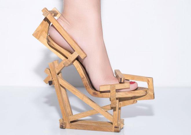 רק באמצע המאה ה-18 הפסיקו הגברים לנעול נעלי עקב. גל סובה (צילום: רוני מטס)