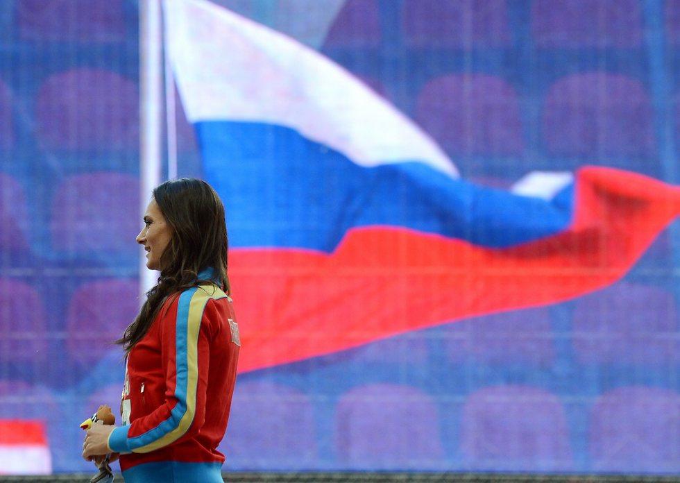ילנה איסינבאייבה. הרוסים לא יכולים להניף את הדגל (צילום: AFP) (צילום: AFP)