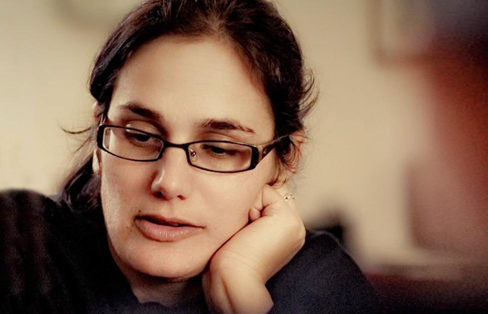 """""""אני רותם, בת 40, נשואה לזוהר ואמא של שירה, יובל וגלעד. מתמודדת עם מחלת ה-ALS של זוהר. זו ההגדרה הראשית שלי היום"""" (צילום: אורן בן דור)"""