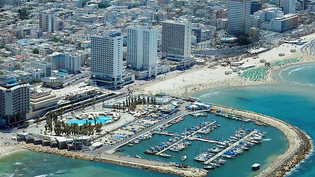 איפה התיירים לנים בארץ? רק 64% יעדיפו מלון בתל אביב (צילום: shutterstck)