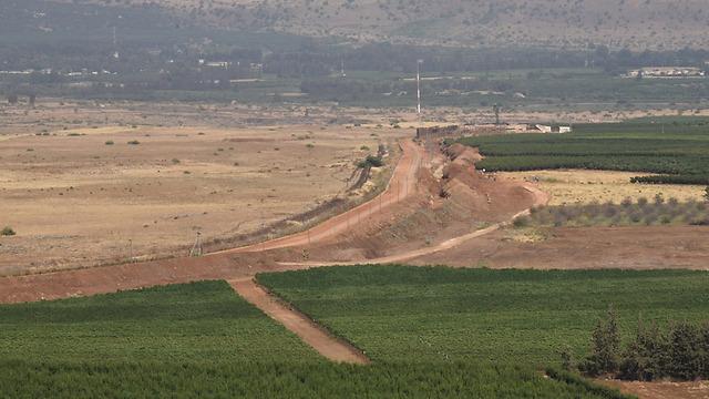 כפר יובל בצד אחד, לבנון בצד השני (צילום: אביהו שפירא) (צילום: אביהו שפירא)