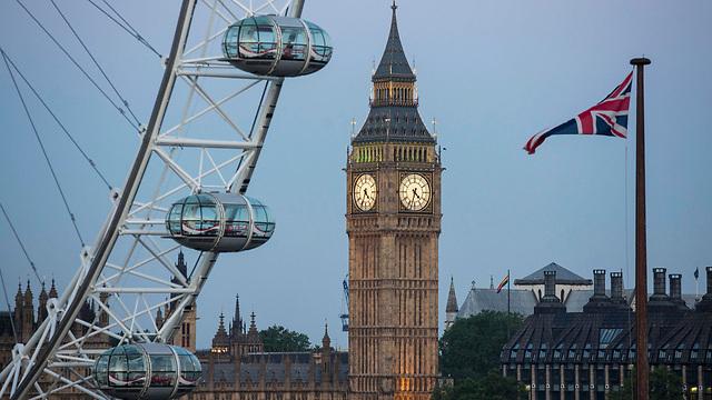 שחר של יום חדש בלונדון (צילום: רויטרס) (צילום: רויטרס)