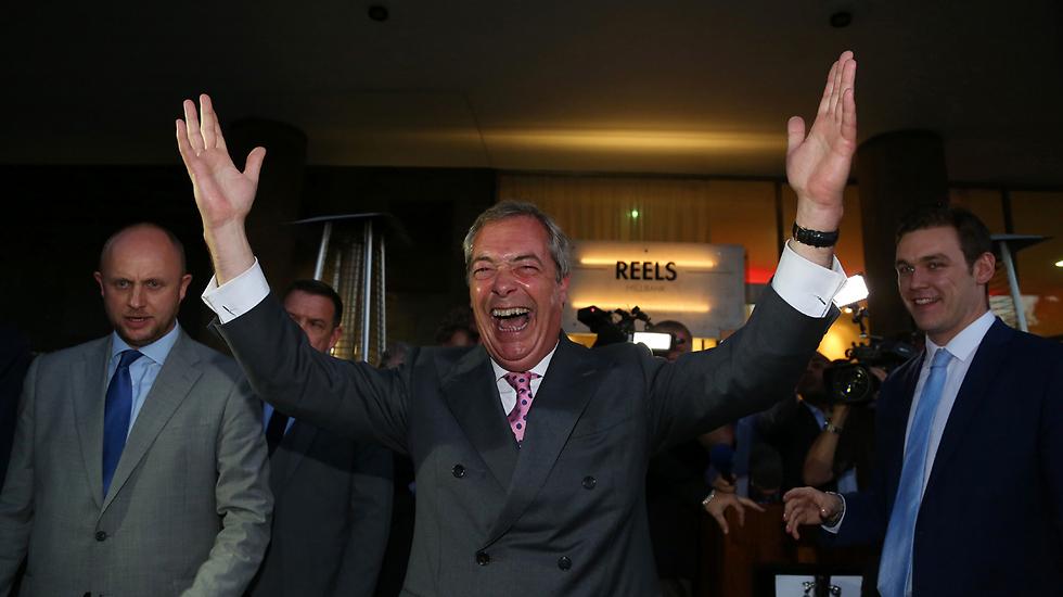 """הוביל את בריטניה מחוץ לאיחוד האירופי ואז פרש ממפלגתו. נייג'ל פראג', לשעבר מנהיג """"מפלגת העצמאות הבריטית"""" (צילום: AFP)"""
