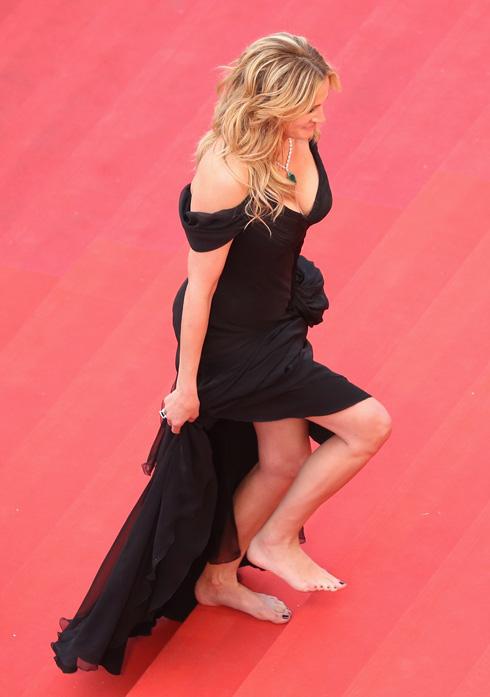 יש לך רק שתי כפות רגליים. ג'וליה רוברטס כבר הבינה  (צילום: gettyimages)