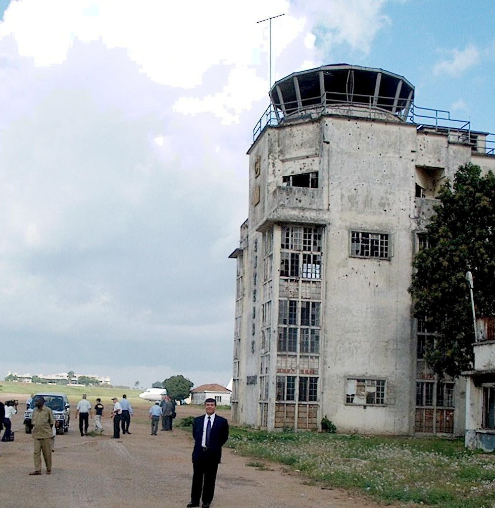 The old terminal building in Entebbe, where the hostages were kept (Photo: Elad Gershgoren)