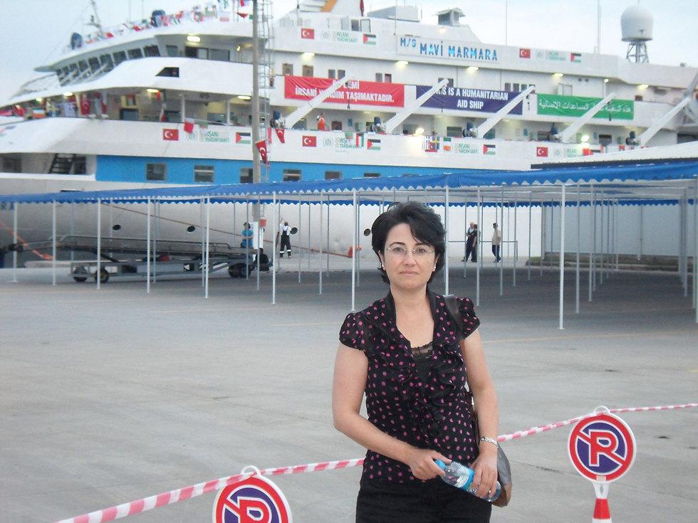 Zoabi next to the Mavi Marmara