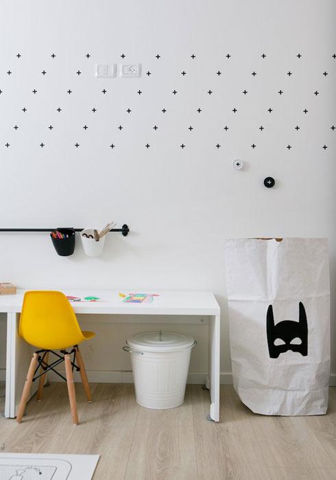 פינת היצירה בחדר המשחקים שבין חדרי הילדים. בעתיד הוא יהפוך לחדרה של התינוקת (צילום: שירן כרמל)