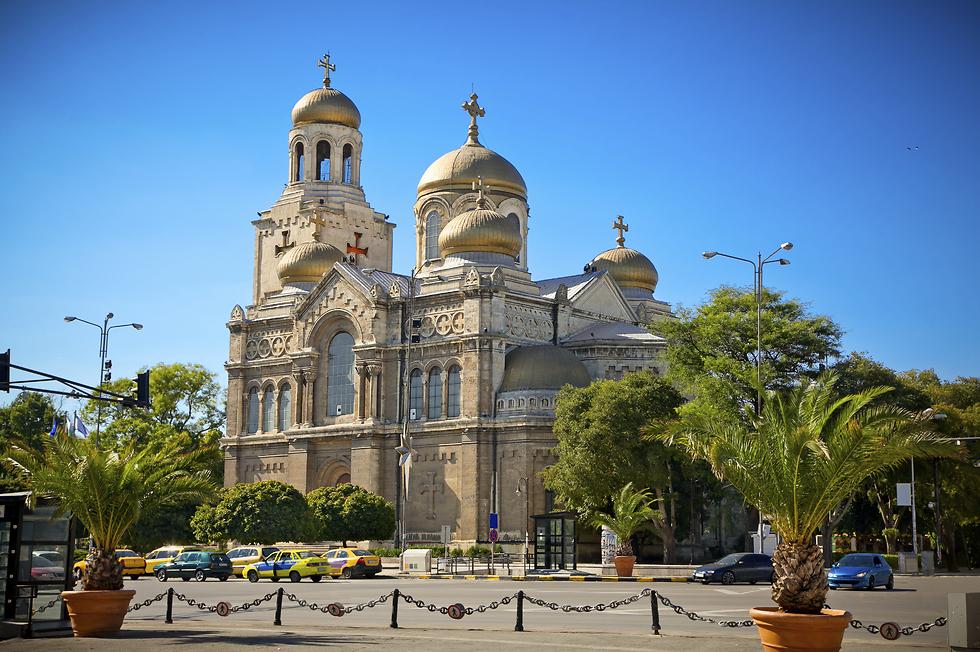 הקתדרלה הגדולה בורנה. 10 דקות נסיעה מהמלונות ואתם מטיילים בסיטי סנטר (צילום באדיבות קשרי תעופה) (צילום באדיבות קשרי תעופה)