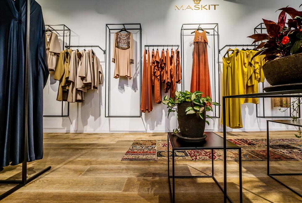 """""""החלל החדש הוא בית אופנה הכולל גם את הסטודיו והמתפרה, ונועד להעביר חוויית קנייה""""  (צילום: איתי סיקולסקי)"""