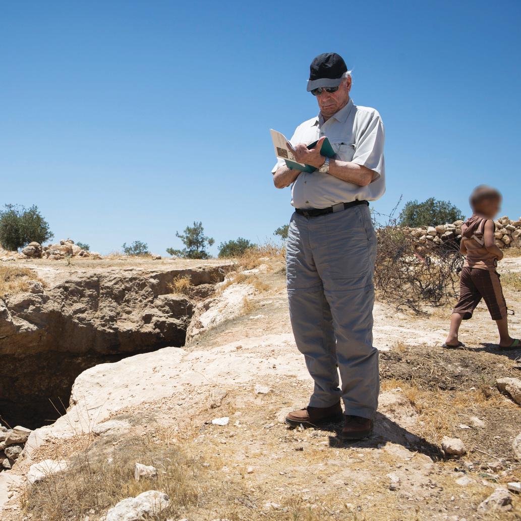 """במערות בדרום הר חברון. """"הממשלה הנוכחית היא הריאקציונרית והקיצונית ביותר בתולדות מדינת ישראל"""""""