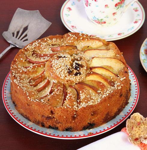 ויש גם 4 מתכונים קלים לעוגות תפוחים מעולות! לחצו על התמונה כדי לעבור למתכונים (צילום: אסנת לסטר)