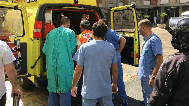 הפינוי של גלבוע לבית החולים, היום (צילום: מצב ביטחוני גלובלי) (צילום: מצב ביטחוני גלובלי)