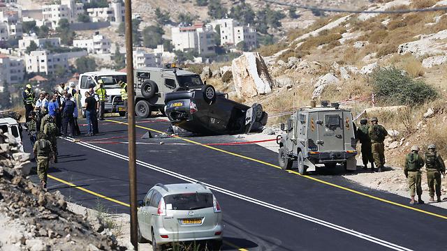 זירת פיגוע ירי באדוריים בכביש 60 בחודש יולי (צילום: AP) (צילום: AP)