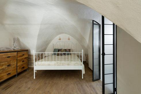 חדר שינה בין הקשתות (צילום: גדעון לוין)