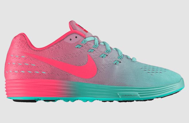 צבע שמבטא דינמיות ותנועה גם בנעלי ספורט (צילום: מתוך nike.com)
