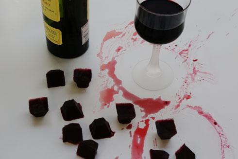 נשאר יין מהארוחה? הקפיאו בקוביות, והן ישמשו אתכן בהכנת התבשיל הבא (צילום: עודד חוברה)
