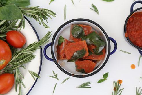 תיבוליות רוטב עגבניות (צילום: עודד חוברה)