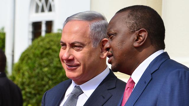 """נתניהו ונשיא קניה אוהורו קנייטה ( צילום: קובי גדעון, לע""""מ) ( צילום: קובי גדעון, לע"""