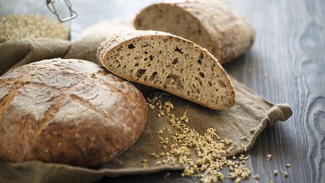 """""""שינוי קטן - הבדל גדול"""" - לחם מקמח מלא (צילום: shutterstock)"""