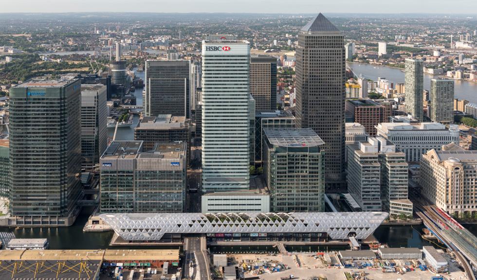 אחד המועמדים של נורמן פוסטר, האדריכל הבריטי המהולל:  Crossrail Place בקנארי וורף, לונדון. לחצו על התצלום לתיאור הפרויקט (צילום: באדיבות World Architecture Festival announces 2016)