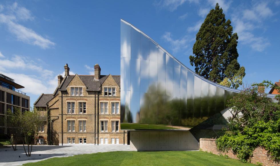 זאהה חדיד כבר הלכה לעולמה, אך זכתה עכשיו בפרס על התוספת לאוניברסיטת אוקספורד בבריטניה. שאר המועמדויות שלה לא נשאו פרי (צילום: באדיבות World Architecture Festival announces 2016)