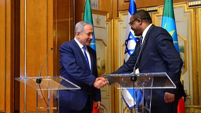 Prime Minister Netanyahu with Ethiopian Prime Minister Hailemariam Desalegn (Photo: Kobi Gideon GPO)