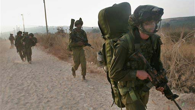 IDF soldiers near the Lebanese border (Photo: AP)