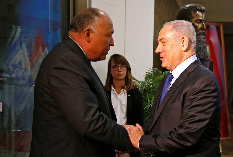 Netanyahu, right, and Shoukry meet in Jerusalem (Photo: Reuters)