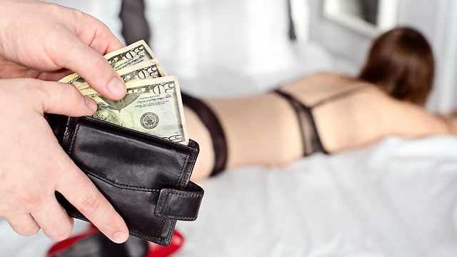 איפה שיש מין תמורת כסף, יש סכנה לאלימות (אילוסטרציה) (צילום: shutterstock)