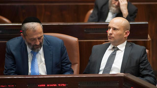 Aryeh Deri (L) and Naftali Bennett, both oppose Bitan's bill (Photo: Yoav Dudkevitch)